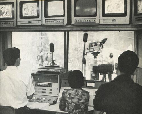Phát sóng truyền hình từ... máy ba